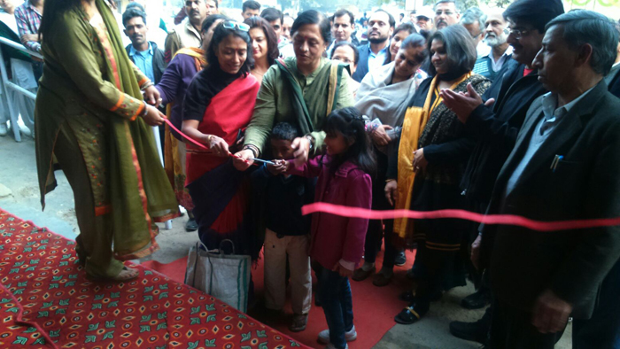 Smt. Seema Trikha, Chief Parliamentary Secretary Haryana inaugurating Akshay Swachh Jal Water ATM at BK Hospital, Faridabad